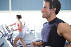 Физические нагрузки - причина растяжения плечевого сустава