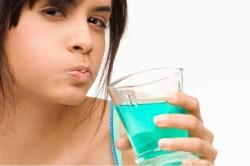 Полоскание горла холодной водой