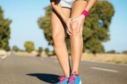 Растяжение сухожилия на ноге во время бега
